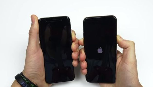 BOOT UP TEST IPHONE X VS IPHONE 11 PRO