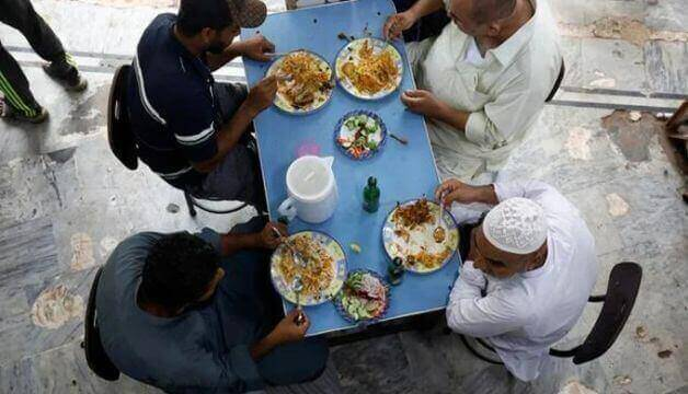 Sindh govt to issue is new Covid-19 regulations, allowing inside meals until midnight